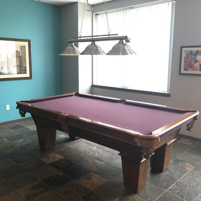 Florence Square Apartments Billiards