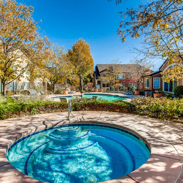 The Seasons At Horsetooth Crossing Apartment Rentals Pool