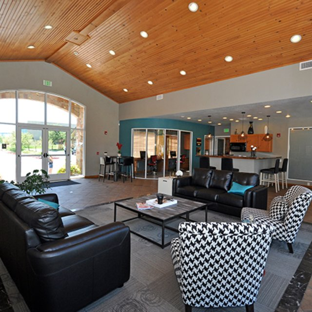 Seasons At Horsetooth Crossing Apartment Rentals Clubhouse