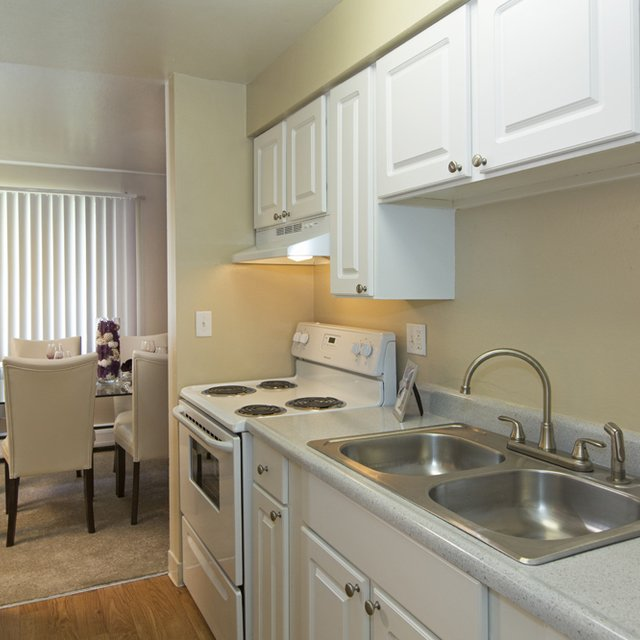 Park Place At Expo Apartments Kitchen