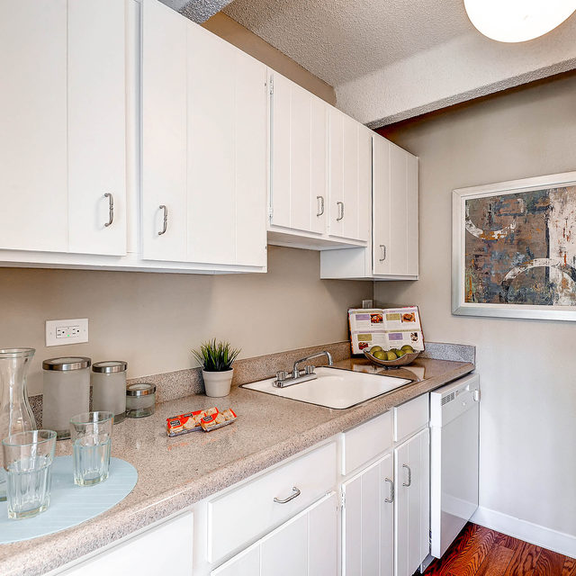 Mosaic Apartments Kitchen