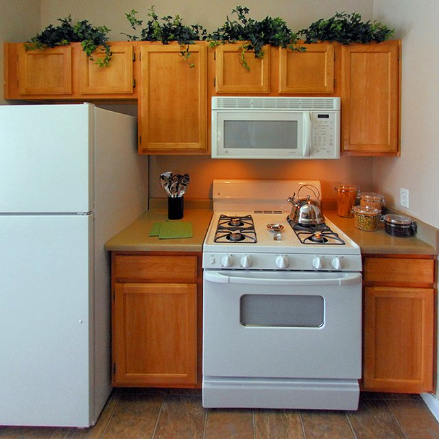 The Seasons At Horsetooth Crossing Apartment Kitchen