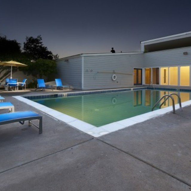 Villas at Holly - Community Pool & Lounge