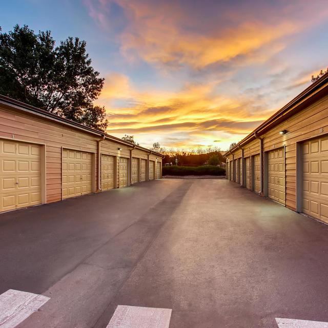 Fort Collins 2 Bedroom Apartments: Seasons At Horsetooth Crossing