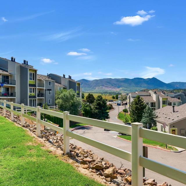 Luxury Apartment Colorado Springs