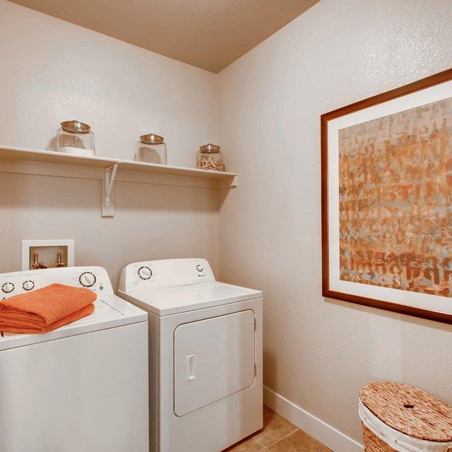 Arrow Ridge Apartments: Lone Tree Colorado Apartments