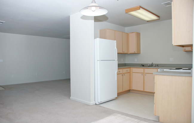 Hughes Station Apartments Interior Photo