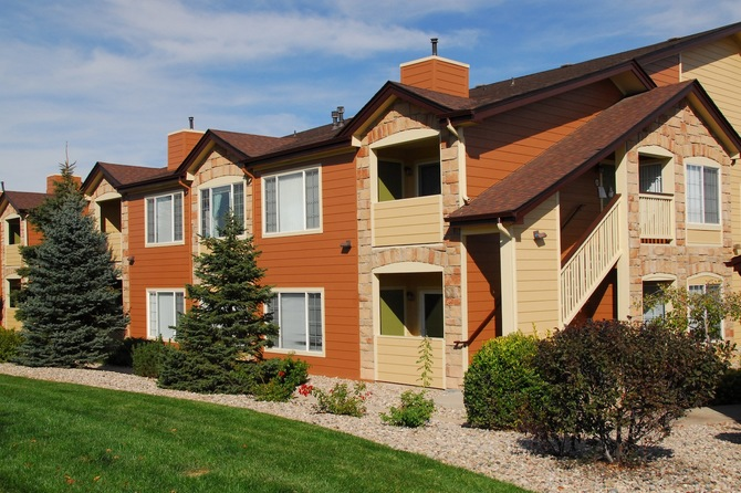 Exterior of  Seasons Horsetooth Crossing Apartments for rent in Fort Collins
