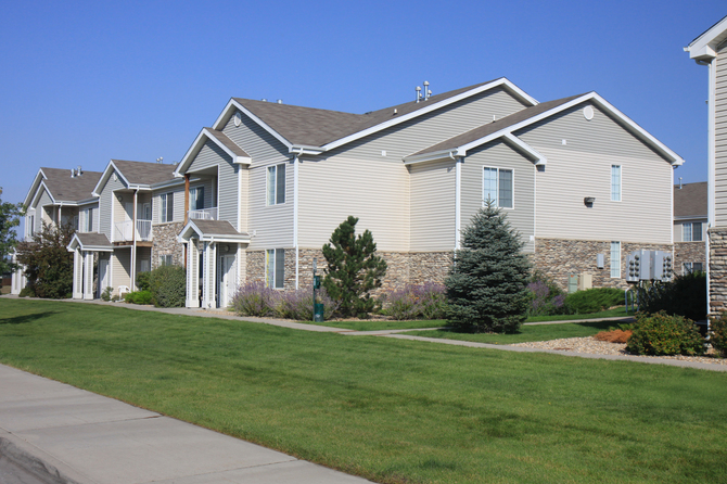 Exterior of Peakview at T-Bone Ranch Apartments