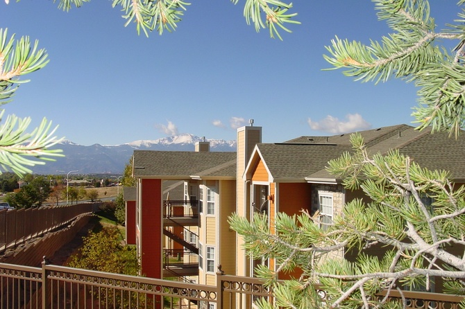 Exterior Of The Vineyards Apartment for rent in Colorado Springs