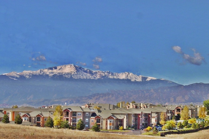 Building Of The Vineyards Apartment for rent in Colorado Springs