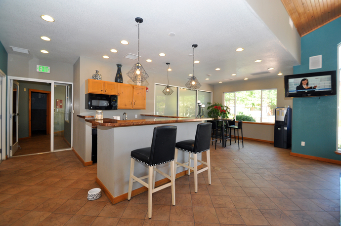 Clubhouse of Seasons Horsetooth Crossing Apartments