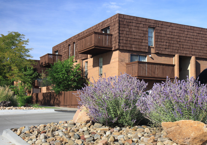 Exterior of Heights on Huron Apartments for Rent in Northglenn, Co