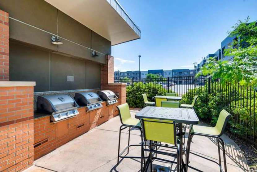 5151 Downtown Littleton Apartments Outdoor Deck