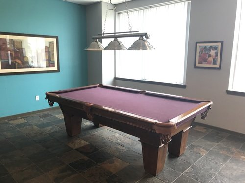 Florence Square Apartments - Pool Table