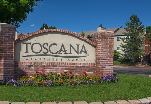 Toscana Apartments - Community sign