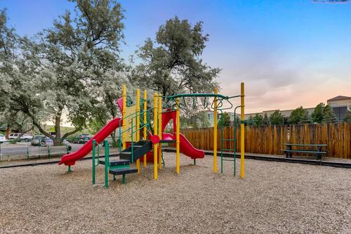 Toscana Apartments - Playground