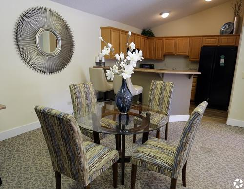 Toscana Apartment Dining Room