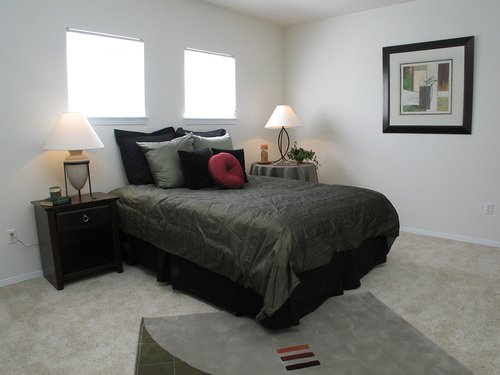 Florence Square Apartments - Bedroom