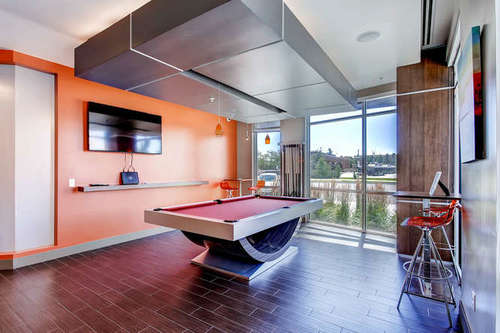 Old Town Flats - Clubhouse with pool table
