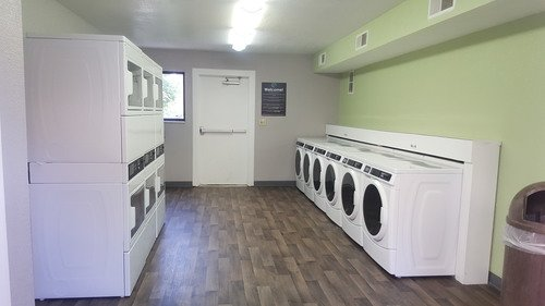 Trailpoint on Highline - Onsite laundry facility