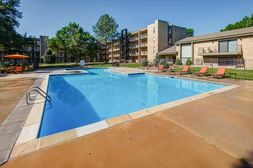 City Square Apartments pool side